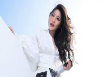 Hương Tràm - cô gái 17 tuổi ở đỉnh vinh quang và bi kịch giã từ sự nghiệp khi mới 24