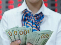 Rủi ro tỉ giá USD/VNĐ tăng, cần linh hoạt để ứng phó