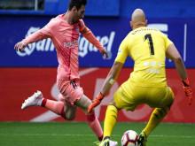 Messi san bằng siêu kỷ lục của Ronaldo