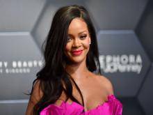 Rihanna - cô gái da màu xáo trộn ngành thời trang xa xỉ