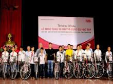 Home Credit trao tặng xe đạp và dụng cụ học tập cho học sinh nghèo tại Thanh Hóa