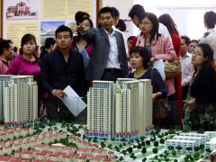 Môi giới bất động sản: Tạo sốt ảo, ép người mua