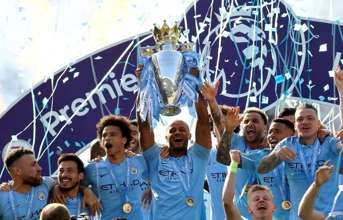 Man City nâng Cup vô địch Anh lần thứ tư trong bảy năm
