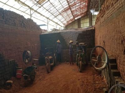Doanh nghiệp sản xuất gạch bằng công nghệ lò vòng không gây khói bụi, góp phần xử lý chất thải