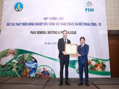 Nestlé Việt Nam nhận bằng khen vì thành tích xuất sắc phát triển nông nghiệp bền vững