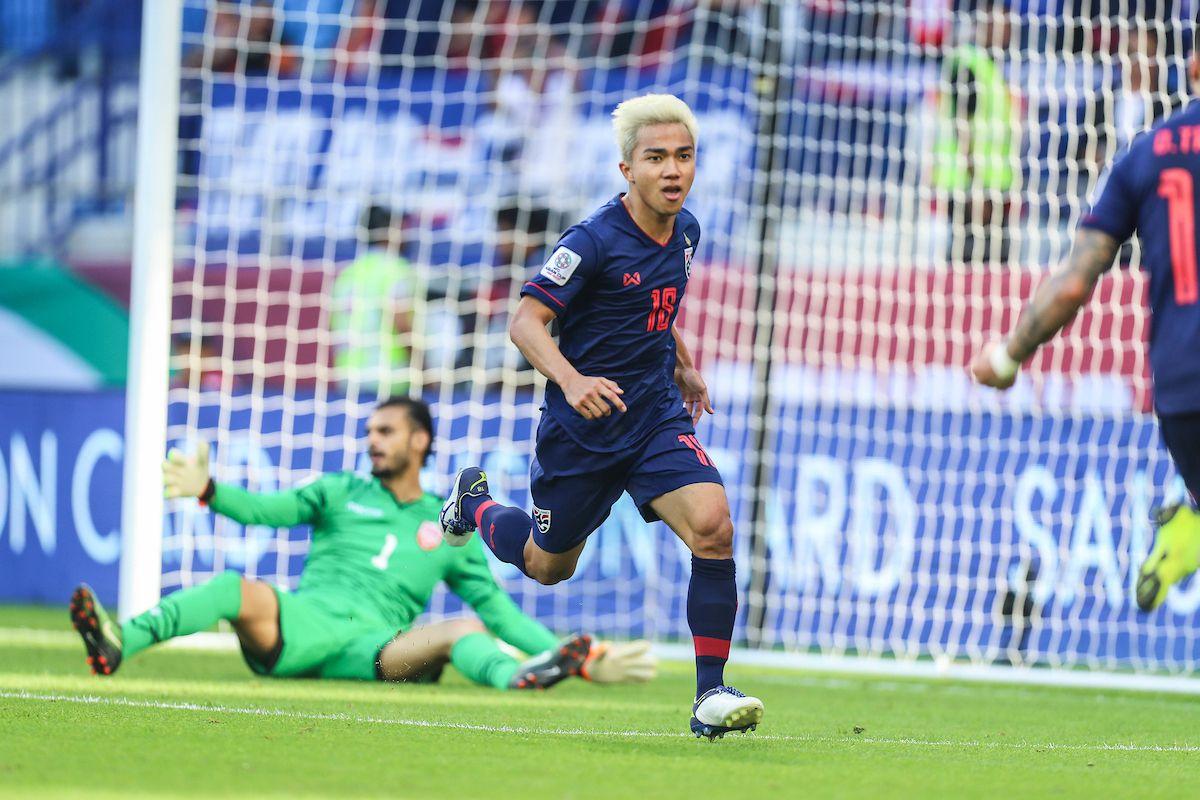 Quyết thắng đội tuyển Việt Nam, Thái Lan triệu tập đầy đủ dàn sao