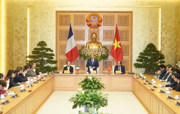 Thủ tướng dự lễ ký kết bản ghi nhớ hợp tác về phát triển Chính phủ điện tử