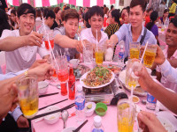 Đám cưới không bia rượu