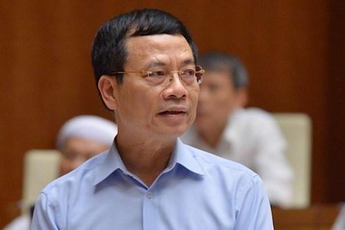 Bộ trưởng Nguyễn Mạnh Hùng: 'Dùng công nghệ để dọn rác trên mạng'