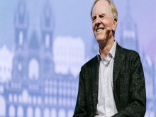 Cựu CEO John Sculley tiết lộ bài học đắt giá về thành công lĩnh hội từ Steve Job và Bill Gates