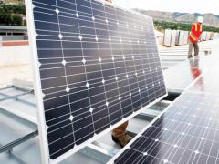Dùng điện tái tạo, doanh nghiệp có lo?