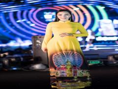 Nữ hoàng ngành Ô tô Châu Loan rạng ngời trong  đêm khai mạc Lễ hội pháo hoa quốc tế Đà Nẵng 2019