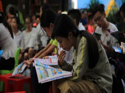 Giúp trẻ em có hoàn cảnh khó khăn tiếp cận văn hóa đọc
