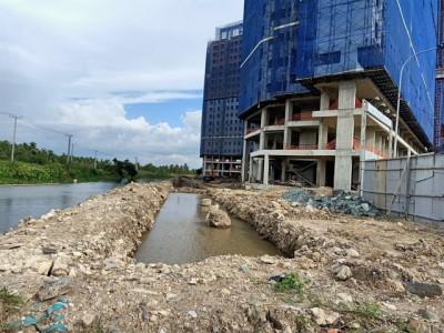 """Dự án Marina Tower (Bình Dương): Lấn rạch nghiêm trọng, cơ quan chức năng """"bó tay""""?"""