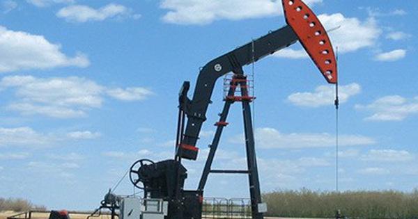 Thị trường ngày 13/6: Giá dầu lao dốc xuống thấp nhất 5 tháng