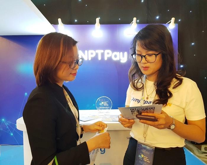 """Dễ dàng khi thanh toán """"không tiền mặt"""" với VNPT Pay"""
