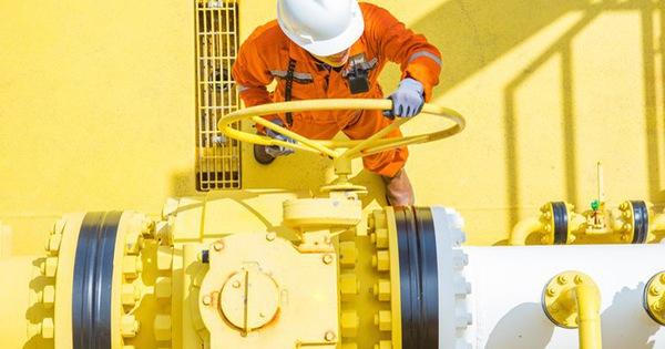 Thị trường ngày 14/6: Giá dầu tăng mạnh trở lại, quặng sắt thiết lập mức cao kỷ lục mới