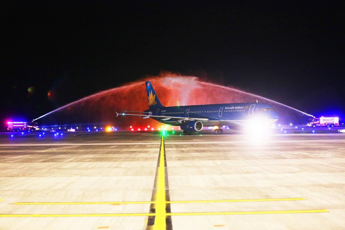 Cảng hàng không Quốc tế Vân Đồn (Quảng Ninh) đón chuyến bay đầu tiên từ Hàn Quốc
