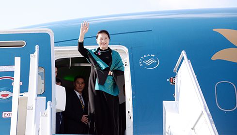 Chủ tịch Quốc hội lên đường thăm chính thức nước Cộng hòa Nhân nhân Trung Hoa