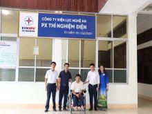 Công nhân khuyết tật Vũ Thanh Hồng- tấm gương sáng vượt lên số phận