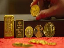 Giá vàng hôm nay 24/7: Vàng trụ vững trước bất ổn thế giới, chờ đợt tăng giá mới