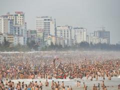 Hạ tầng cơ sở 'oằn mình' dưới sức nóng tăng trưởng du lịch
