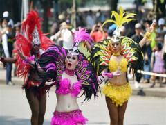 Carnival đường phố Hà Nội kỷ niệm 20 năm