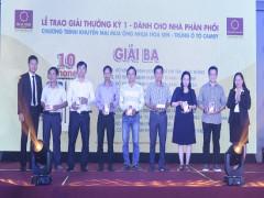 Tập đoàn Hoa Sen trao thưởng chương trình 'Mua Ống nhựa Hoa Sen – Trúng ô tô Camry'