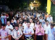 Phật tử lên chùa dự lễ Vu Lan báo hiếu