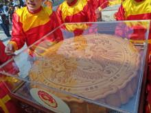 Vinh danh cặp bánh Trung thu kỷ lục Việt Nam
