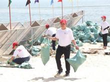 500 mét bãi biển ở Đà Nẵng được dọn sạch rác nhựa