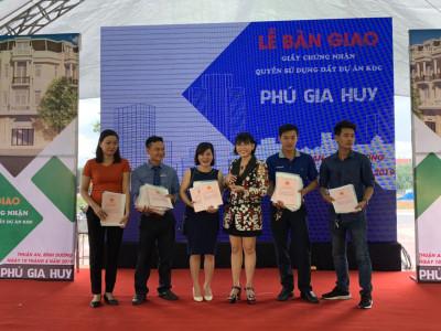 Dự án Phú Gia Huy: Chủ đầu tư bàn giao hơn 300 sổ hồng cho khách hàng đúng thời hạn