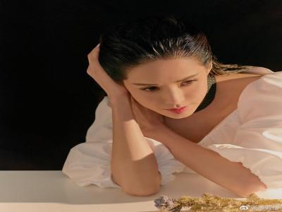 Lý Nhược Đồng hóa thân thành hiệp nữ trong bộ ảnh mới
