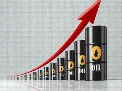 Thị trường ngày 14/8: Dầu bật tăng gần 5%, vàng quay đầu giảm