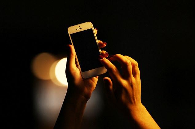 Có nguy cơ ung thư từ bức xạ điện thoại