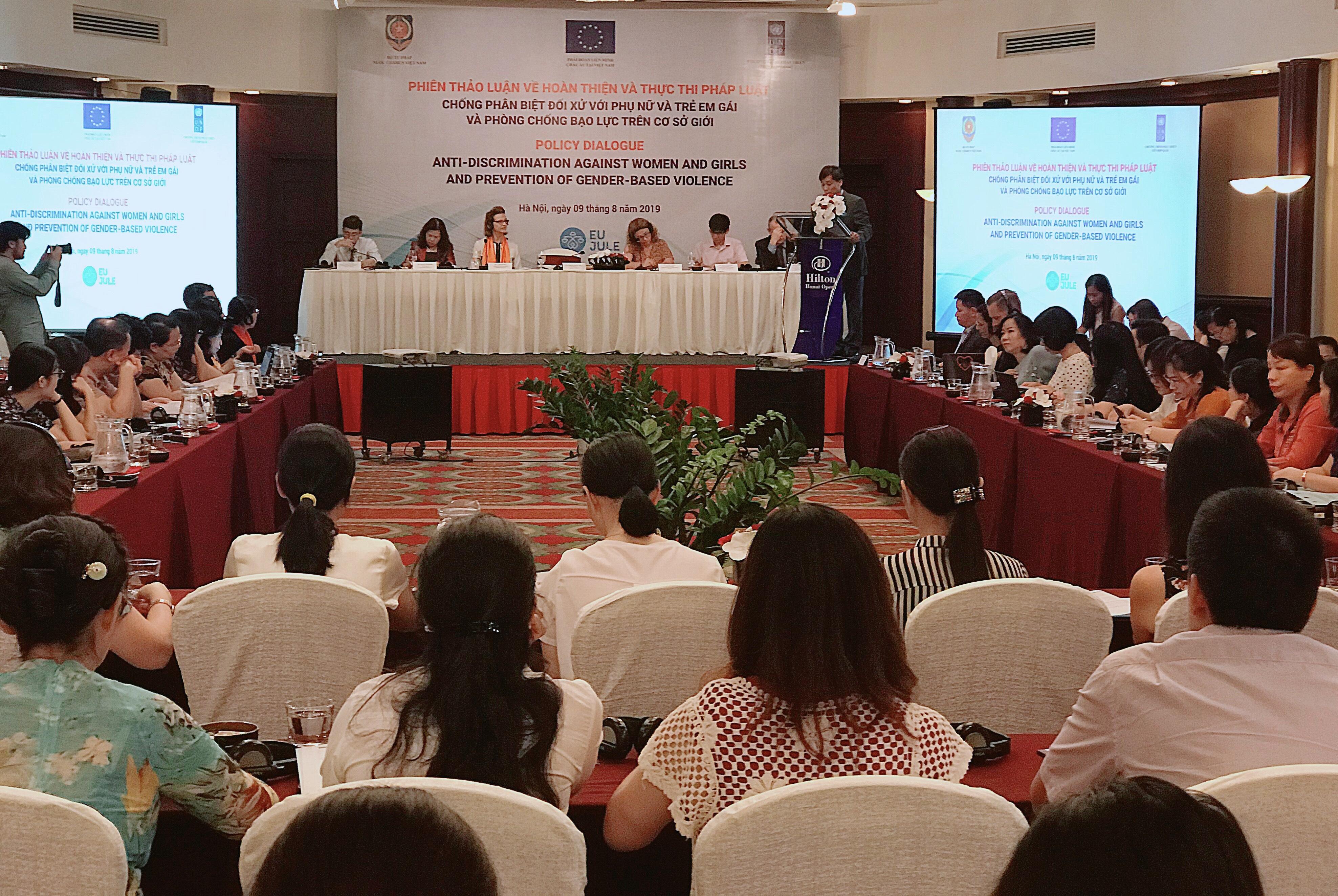 Chống phân biệt đối xử với phụ nữ và trẻ em gái và phòng chống bạo lực trên cơ sở giới