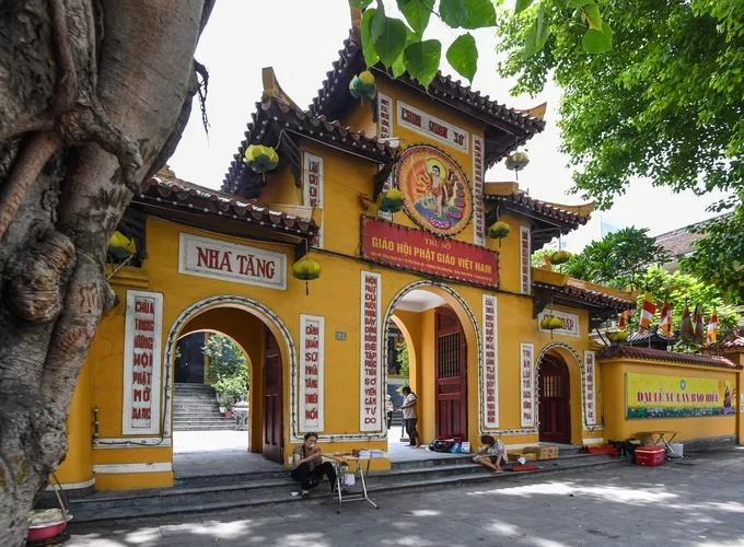 Ba ngôi chùa nổi tiếng ở Hà Nội trong dịp lễ Vu Lan