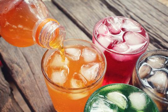 Tiêu thụ nước ngọt có liên quan đến việc gây tử vong ở nhiều quốc gia