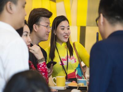 Doanh nhân Đỗ Thị Hoa được cộng đồng doanh nhân Netviet tổ chức sinh nhật tại Singapo