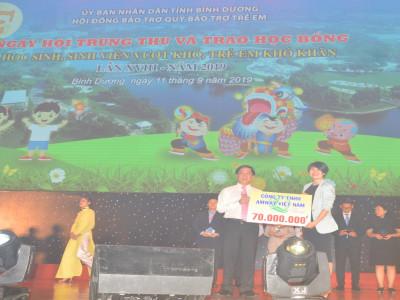 AmWay Việt Nam: Tặng 25 suất học bổng cho sinh viên, học sinh Bình Dương