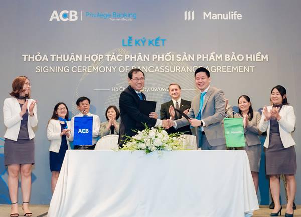"""ACB """"bắt tay"""" Manulife nhằm tăng trưởng kênh bancassurance"""