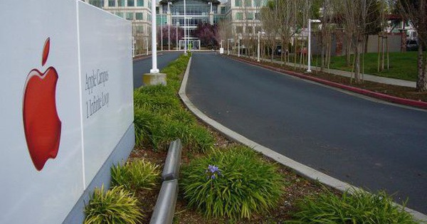 Nhân viên Apple tiết lộ văn hóa làm việc gây sốc: Làm việc cả Chủ nhật