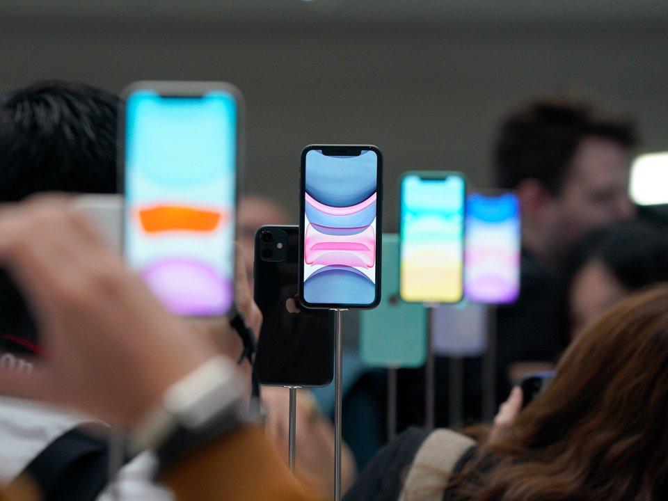 Vì sao báo giới quốc tế ca ngợi iPhone 11?