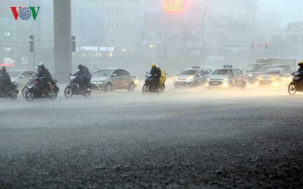 Miền Bắc chuẩn bị đón mưa dông, ô nhiễm không khí sẽ giảm
