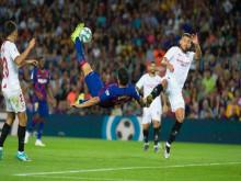 Barca giành 3 điểm với 9 người trên sân