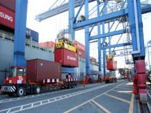 Xuất nhập khẩu 9 tháng: Nhiều điểm nhấn, không ít cảnh báo