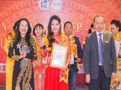 Tổng Công ty Thiên Nhiên Việt được vinh danh tại
