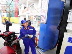 Giá xăng giảm 300 đồng/lít sau kỳ tăng sốc