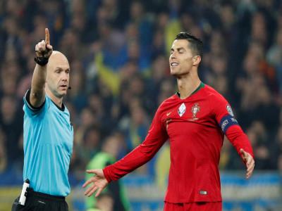 Ronaldo ghi bàn thứ 700, Bồ Đào Nha vẫn thua ở VL Euro 2020