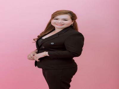 Cô công nhân lột tôm Lê Thị Diện thoát nghèo cùng Mỹ phẩm Đông Anh